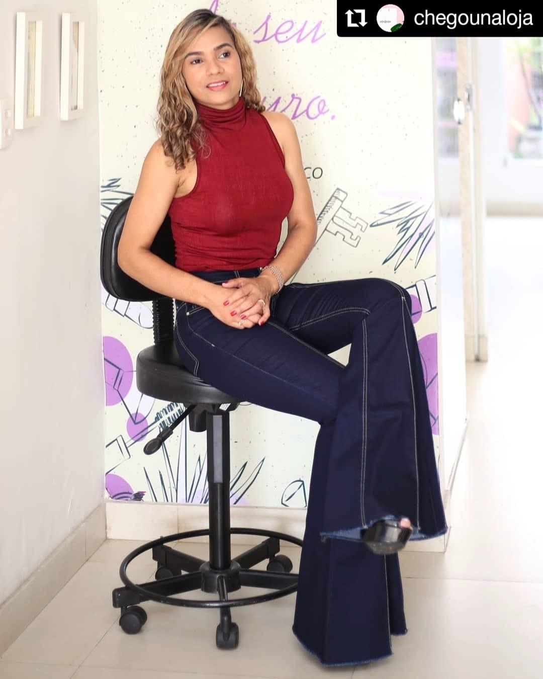 Foto2 - Calça Jeans - Maxi-Flare - Lavagem escura