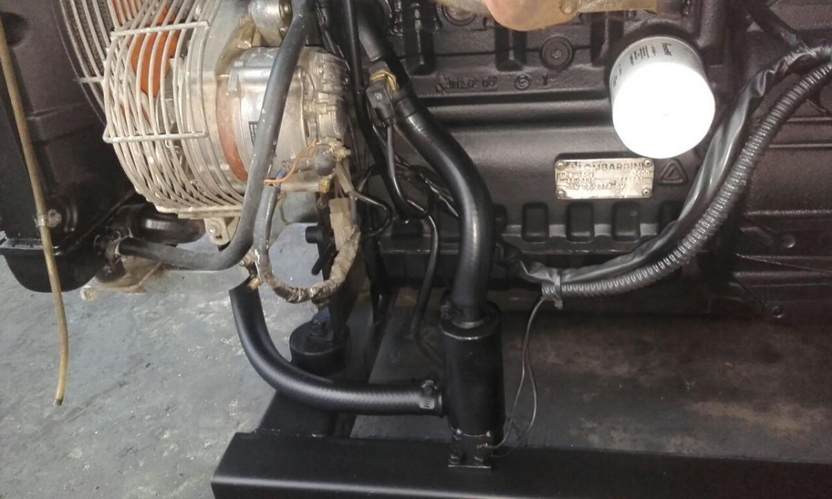 Foto2 - Gerador Stemac 20 Kva - Automático - Usado