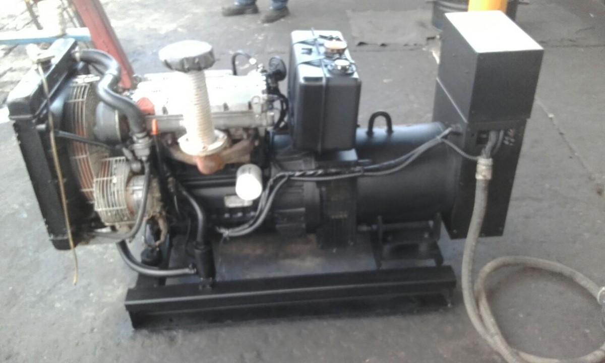 Foto7 - Gerador Stemac 20 Kva - Automático - Usado