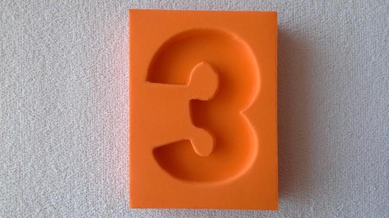Foto2 - Cód 573 Molde de número três(3) modelo N1 (Para velas de biscuit)