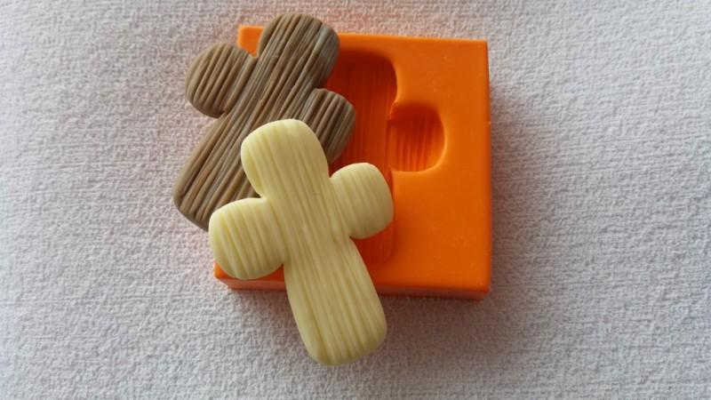Foto3 - Cód 635 Molde de cruz com textura