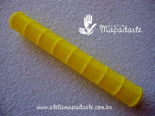 Foto3 - Cód M1182 Rolo textura amarelo 15 cm 01 un (Blue Star)