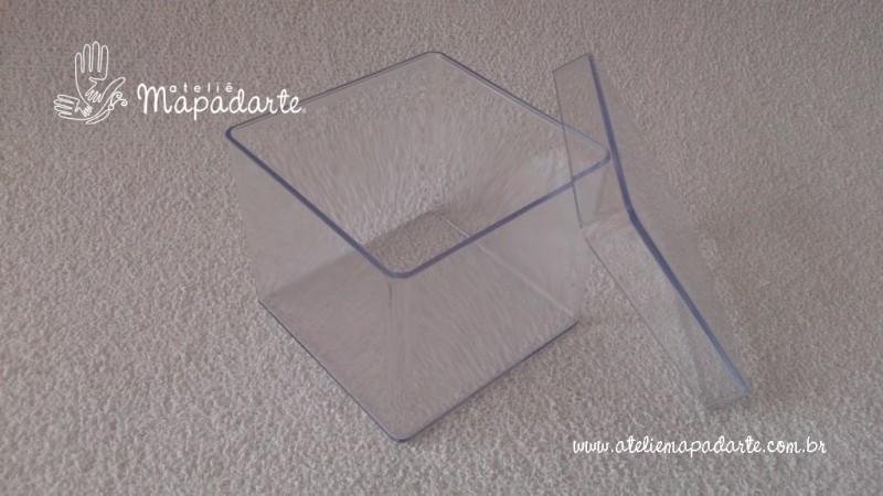 Foto2 - Cód M1361 Caixa quadrada transparente de acrílico 5x5x5cm