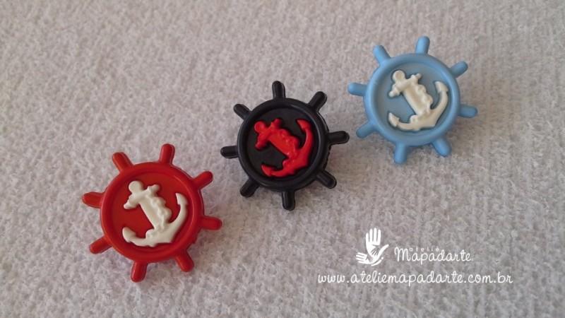 Foto3 - Cód M1611 Botão timão vermelho/âncora branca com 10 un