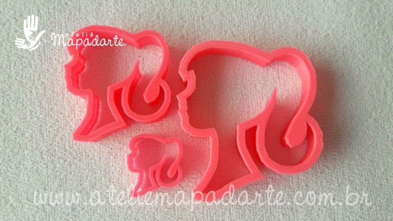 Foto3 - Cód M1807 Cortador de rosto de barbie em plástico PLA ref. 055-2 01 un (AC)