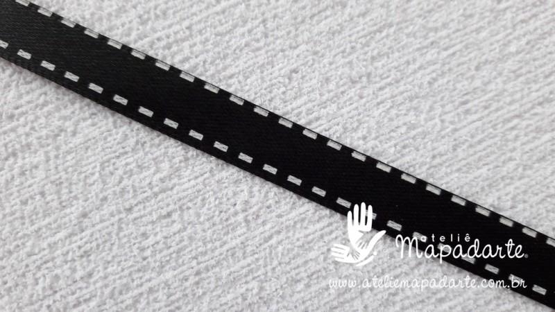 Foto 1 - Cód M2072 Fita cetim preto com traço branco 1cm largura (3901) 1 mt