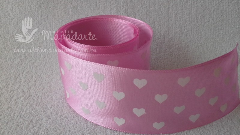 Foto 1 - Cód M2185 Fita de cetim rosa/coração branco 4cm largura (0501) 1mt