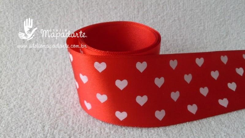 Foto 1 - Cód M2188 Fita de cetim vermelho/coração branco 4cm largura (2601) 1mt