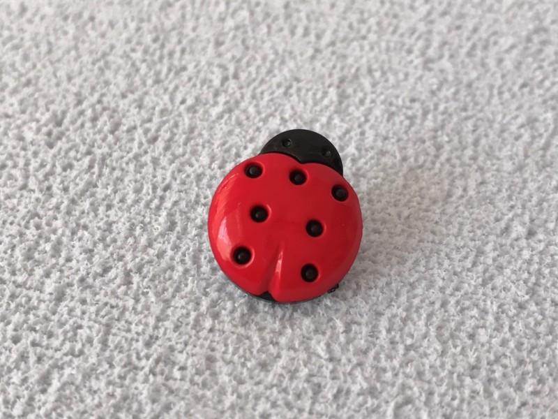 Foto 1 - Cód M2393 Botão de joaninha 10 un