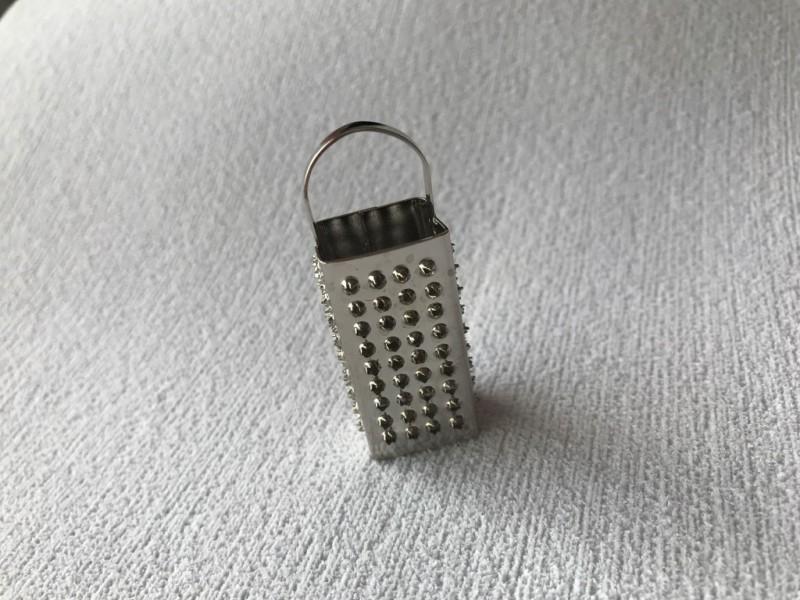 Foto 1 - Cód M2368 Miniatura de ralador de metal (A69/17) 01 un