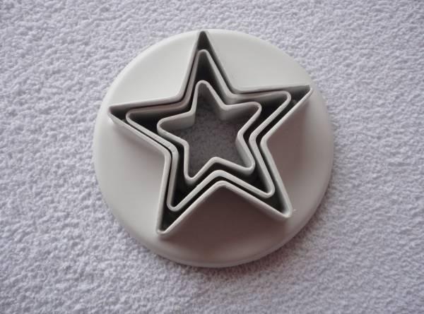 Foto 1 - Cód M545 Cortador estrela em plásico 3 un
