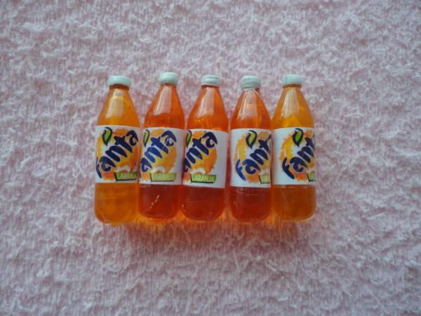 Foto 1 - Cód M623 Miniatura fanta laranja garrafa c/ 5 un