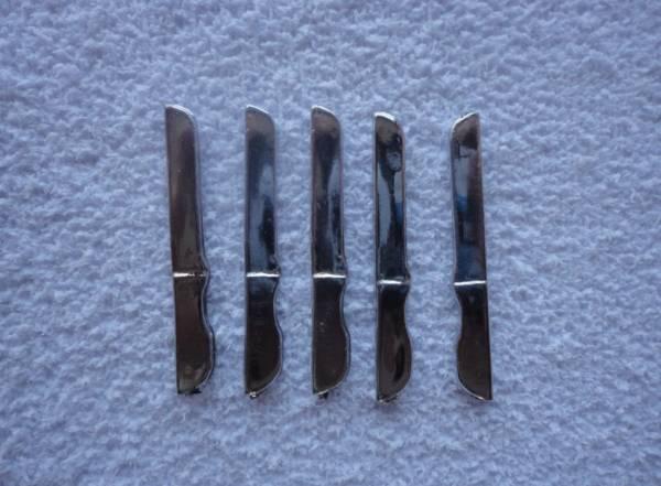 Foto 1 - Cód M829 Miniatura de faca de mesa 5 un (prata)