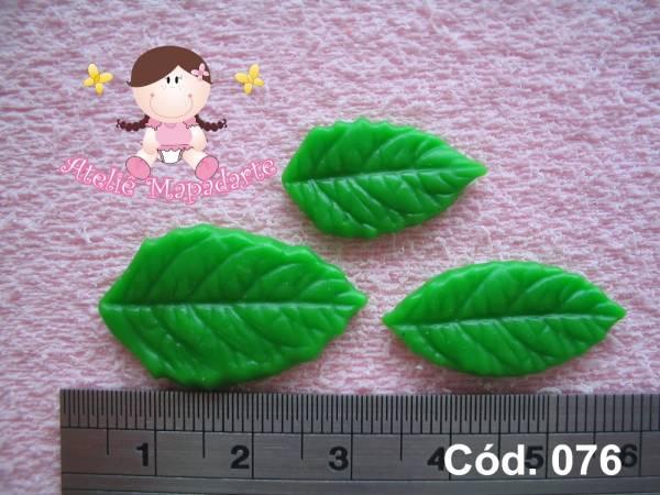 Foto 1 - Cód 076 Molde de folhas com 3 tamanhos