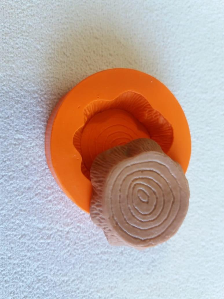 Foto 1 - Cód 813 molde de silicone tronco 2