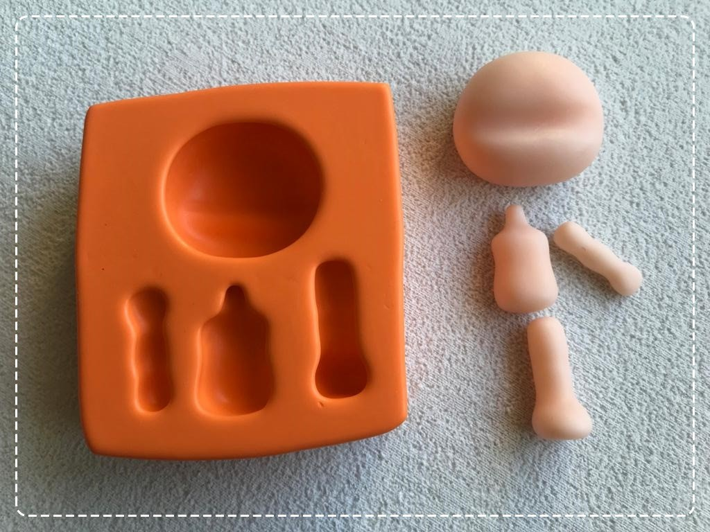 Foto3 - Cód AP09 Molde de silicone bonequinha Patty (Coleção Arteira Patriene) 04peças