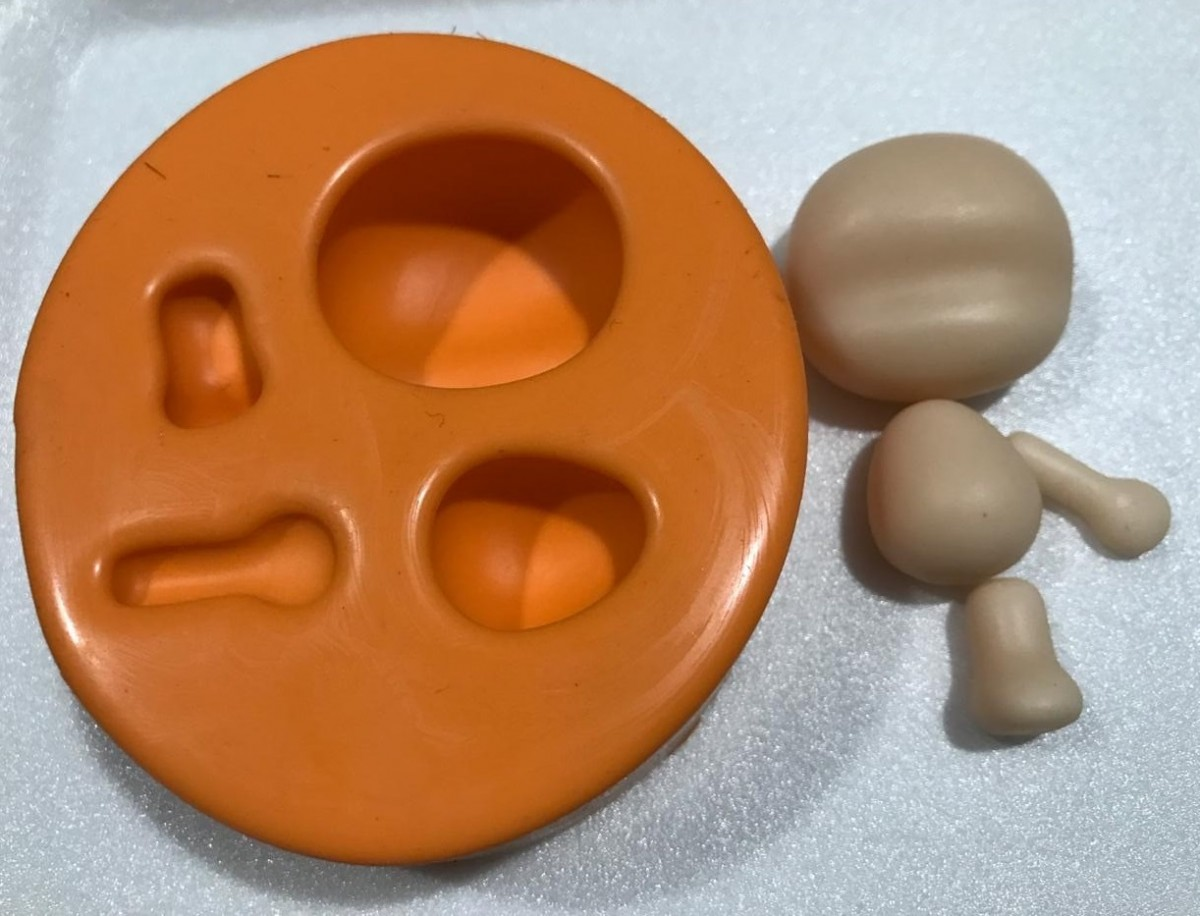 Foto5 - Cód AP30 Molde de silicone bonequinha gorduxa (Coleção Arteira Patriene) 04 peças