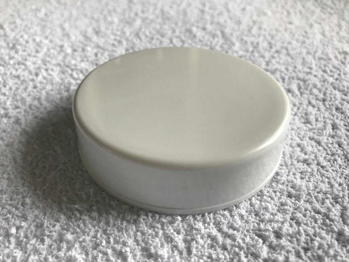 Foto3 - Cód M2017 Tampa plástica branca 74mm 01 un