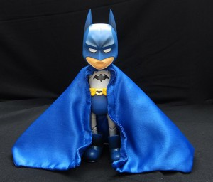 Foto2 - Batman DC Comics Hybrid Metal Figuration Batman (variante de cor) SDCC 2015 Exclusivo