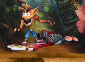"""Foto4 - Crash Bandicoot - Figura de ação em escala de 7 """"- Deluxe Crash com placa a jato"""