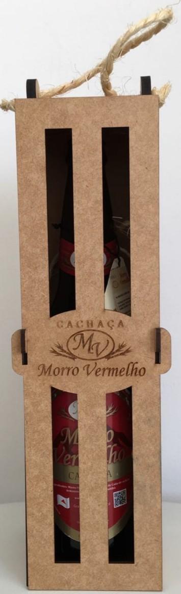 Foto3 - MV - 28 Cachaça Presente Madeira 600ml Ouro