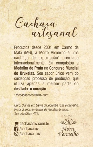 Foto4 - MV - 29 Cachaça Presente Madeira 700ml Ouro