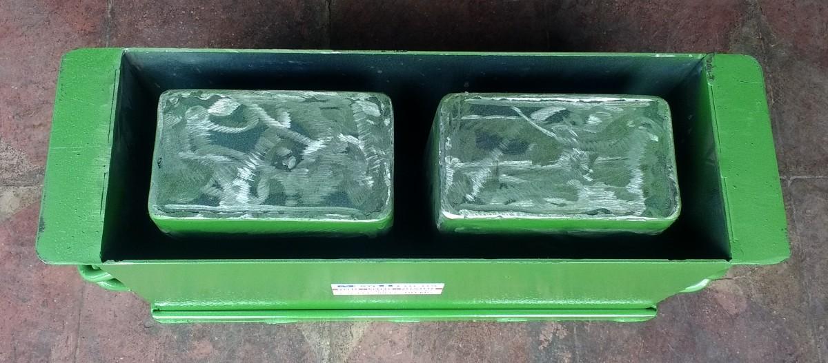 Foto3 - Forma manual para bloco de concreto 14x19x39 - 2 furos vazado