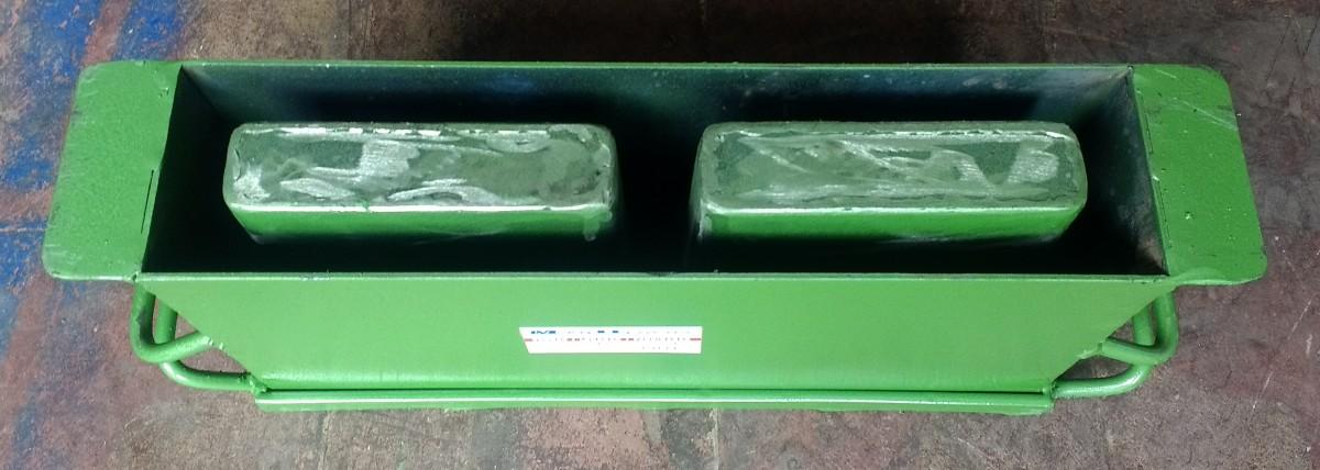 Foto 1 - Forma manual para bloco de concreto 9x19x39 - 2 furos vazado