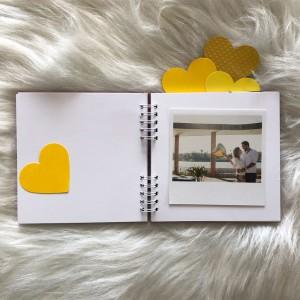 Foto2 - Amor - Álbum Scrapbook com Capa Personalizada - Escolha seu casal favorito de série ou filme