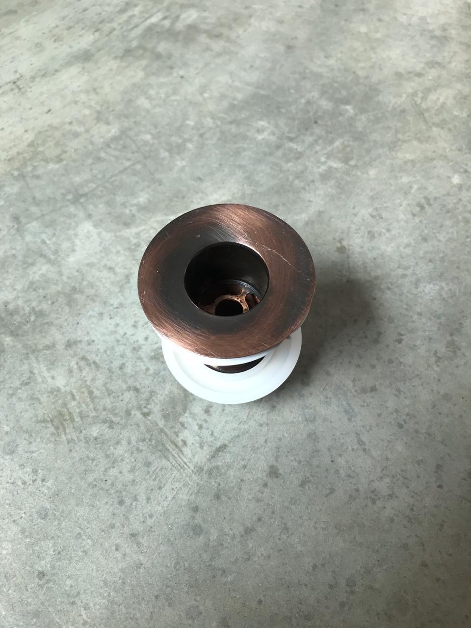 Foto 1 - Válvula para cuba em liga de cobre