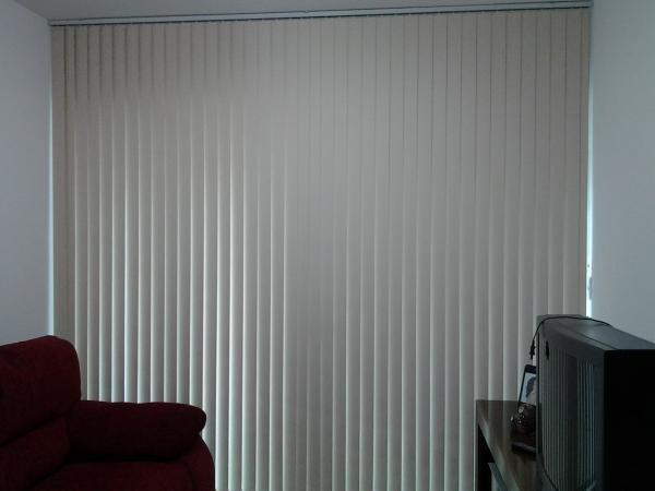 Foto9 - Persiana Vertical Classic - Medida 1,80 x 1,80 - Com Bandô