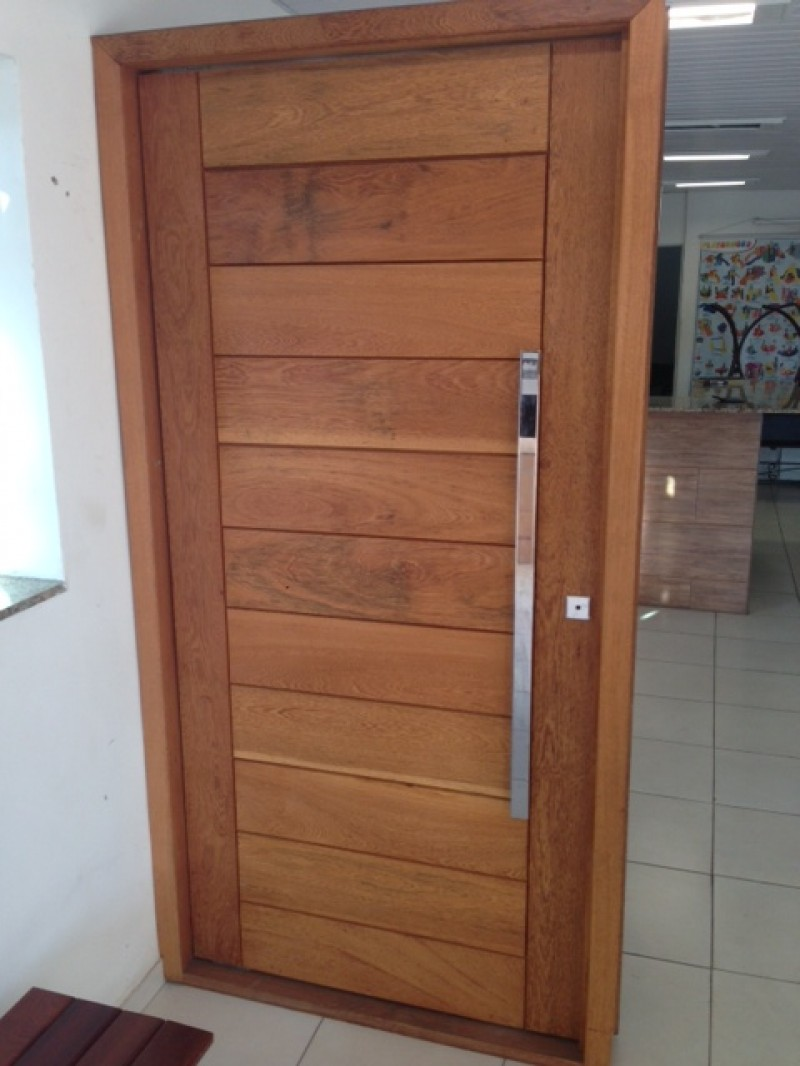 Foto2 - Porta Pivotante PSM 1100 madeira Angelim