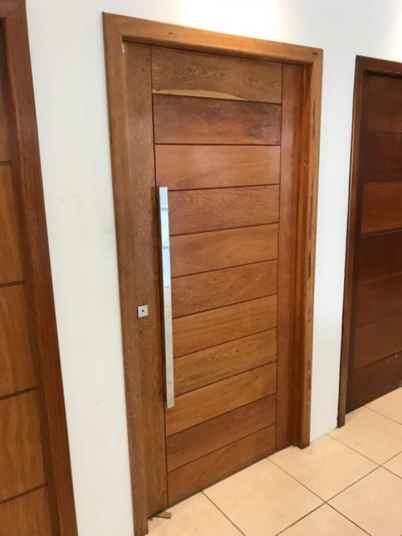 Imagem do produto Porta Pivotante PSM 1100 madeira Angelim