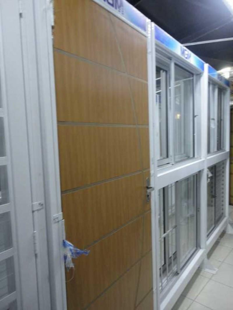 Imagem do produto Porta de Madeira Decorativa c/marco de ferro Branco