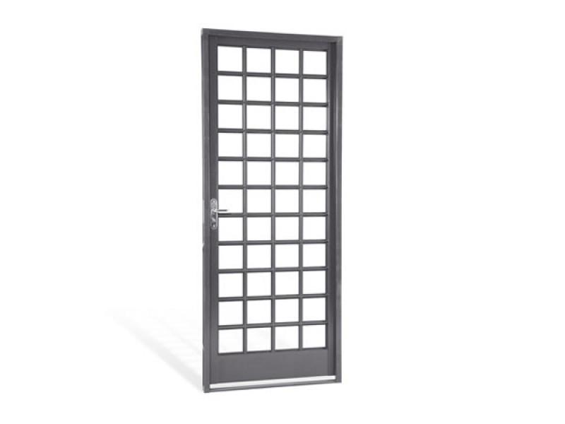 Imagem do produto Porta de abrir quadriculada Belfort