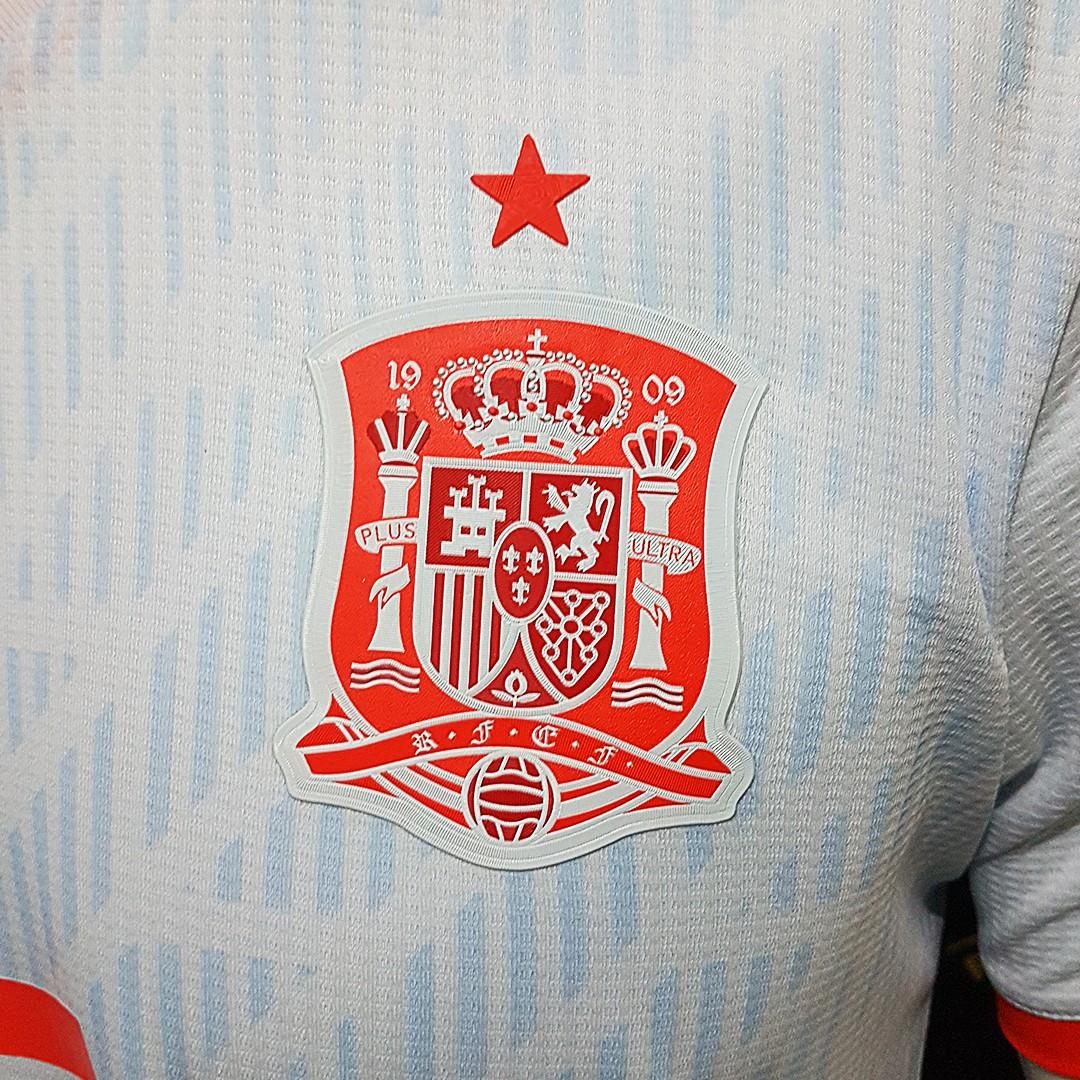 Foto2 - Camisa Oficial Espanha Away Iniesta 6 2018