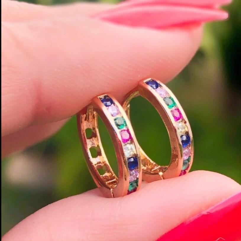 Foto 1 - Brinco Argolinha Zircônias Colors Rainbow