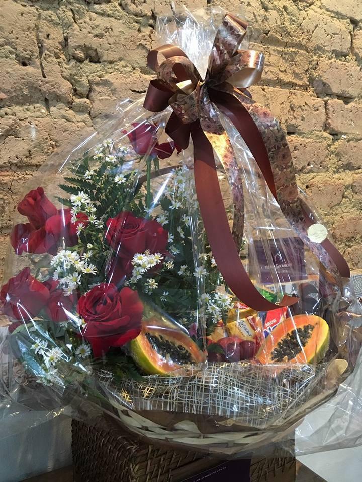 Foto 1 - Caixa Rosas e Frutas