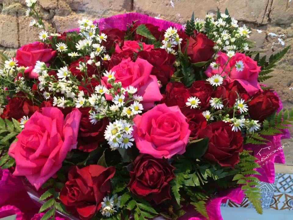 Foto 1 - Rosas com Alstroemérias
