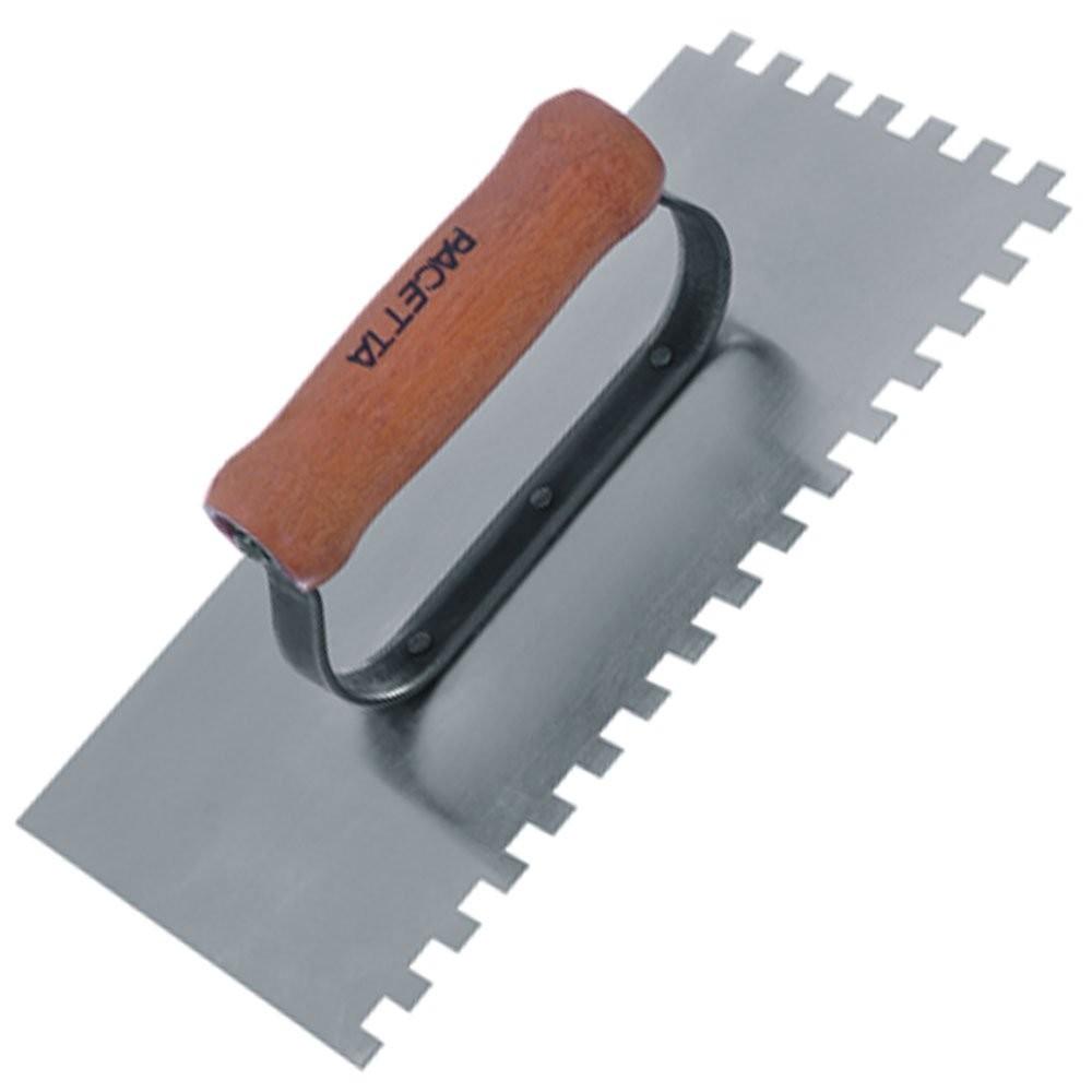 Foto 1 - Desempenadeira de Aço Dentada Cabo Madeira Fechado 25 x 12cm Pacetta