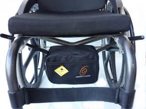 Foto2 - Kit Toalha com Braço e Pochete Interna Para Cadeira de Rodas