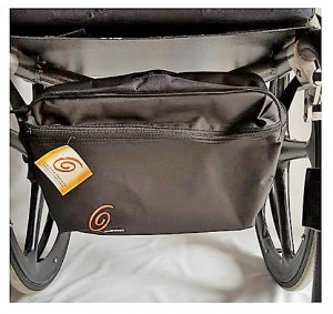 Foto4 - Kit Toalha com Braço e Pochete Interna Para Cadeira de Rodas