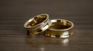 Foto3 - Aliança de Casamento Concava em Ouro 18K (15g 6,0mm)