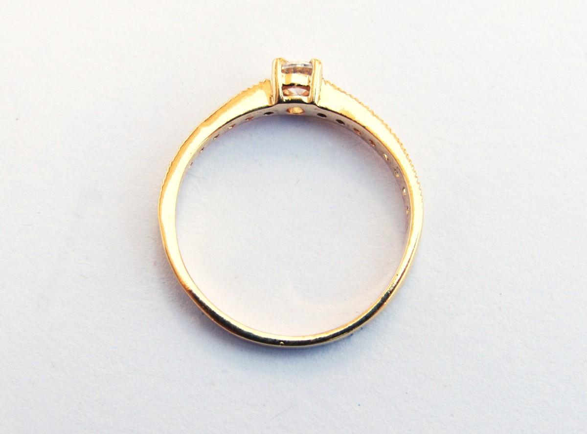 Foto3 - Anel em ouro 18k com 13 pedras de zircônia