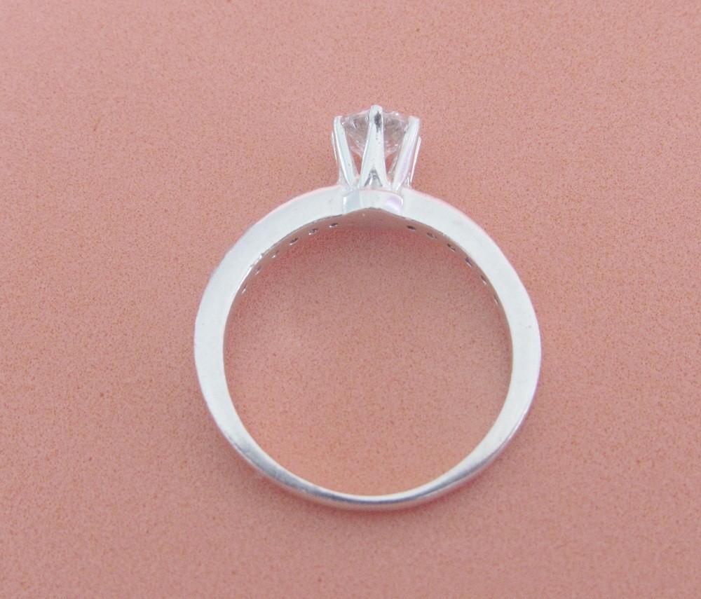 Foto3 - Anel em prata 950 com pedras de zircônia 5mm 6 grifas