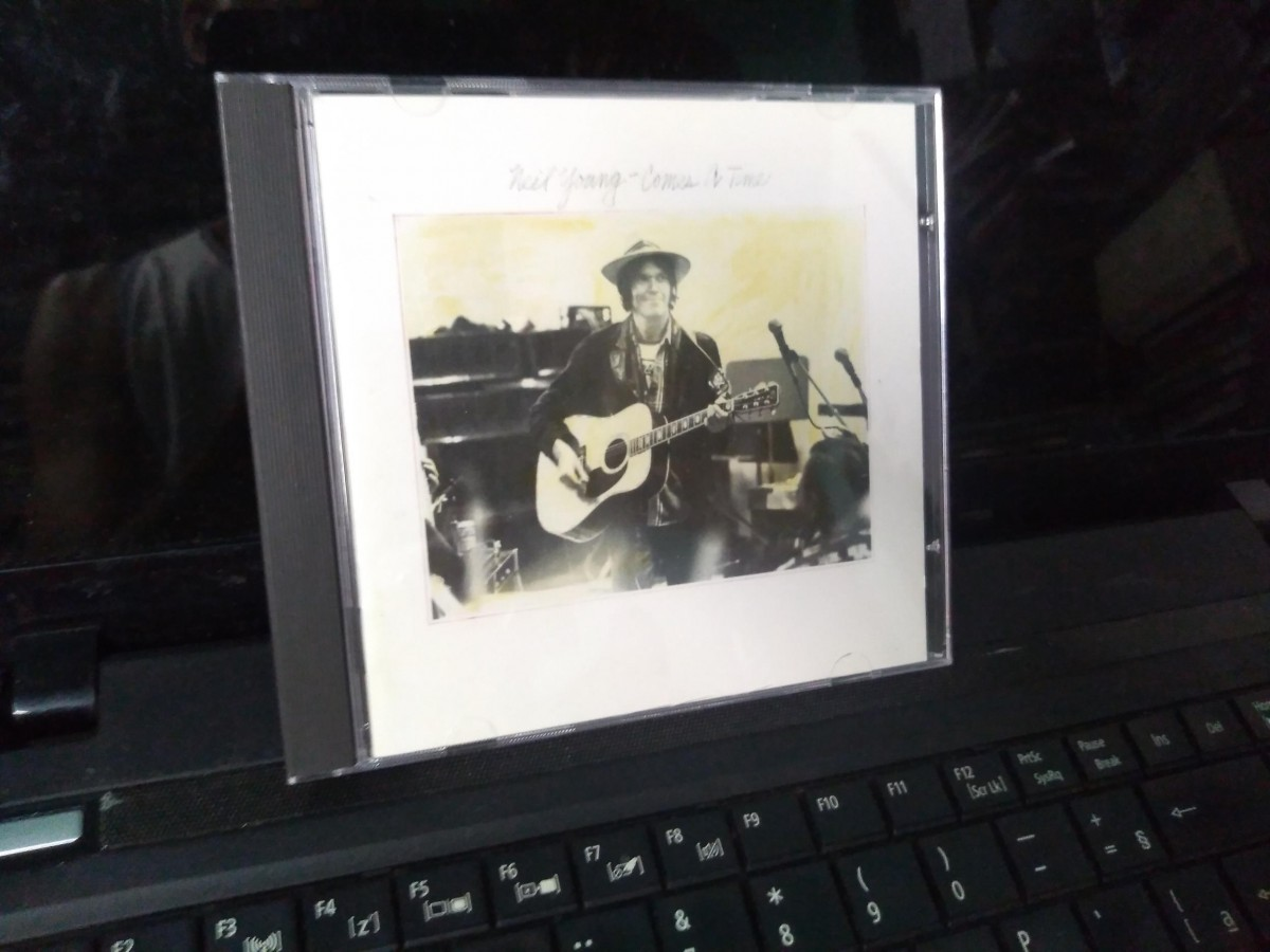 Foto 1 - NEYL YOUNG, Cd Comes a Time, Reprise-1978 importado