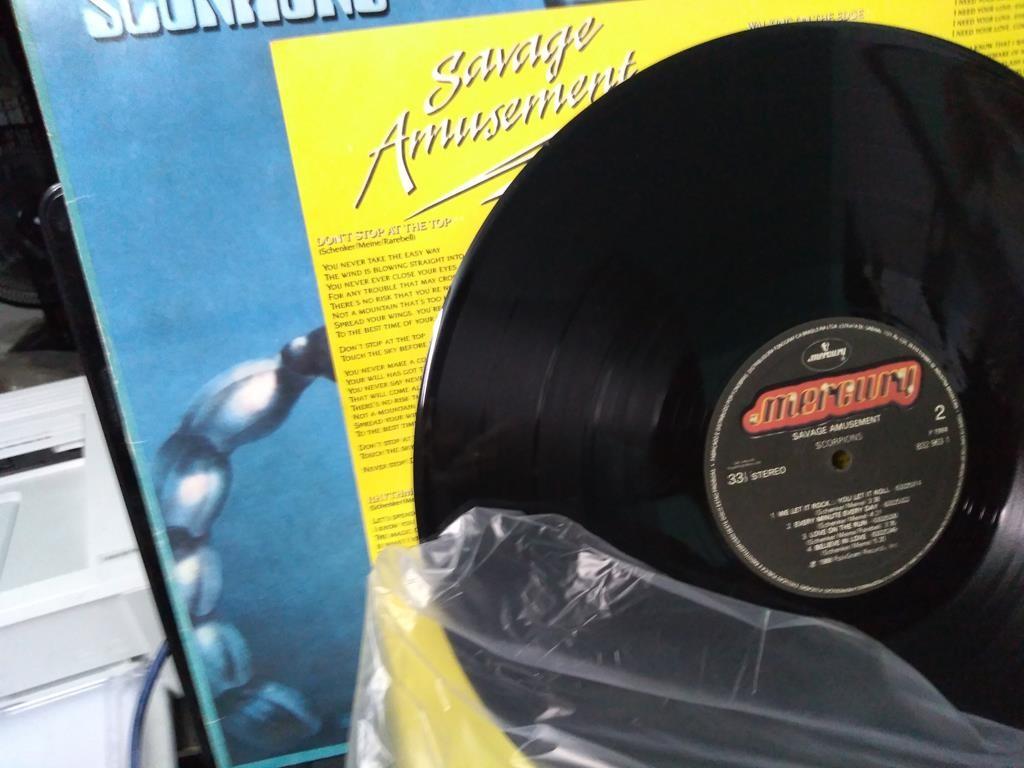 Foto3 - SCORPIONS, LP Savage Amusement, Mercury-1988