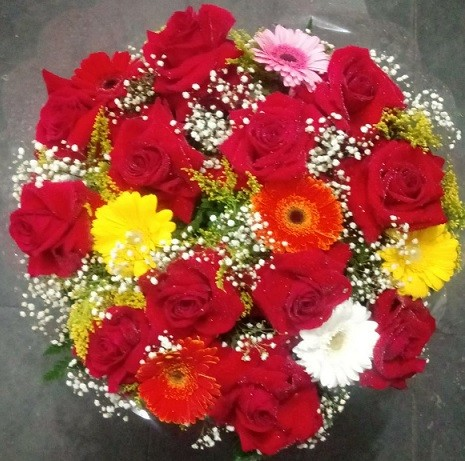 Foto 1 - Bouquet de Rosas Colombianas e Gérberas