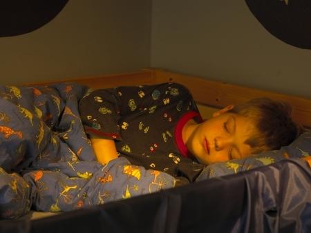 Iluminação adequada proporciona sono tranquilo a crianças