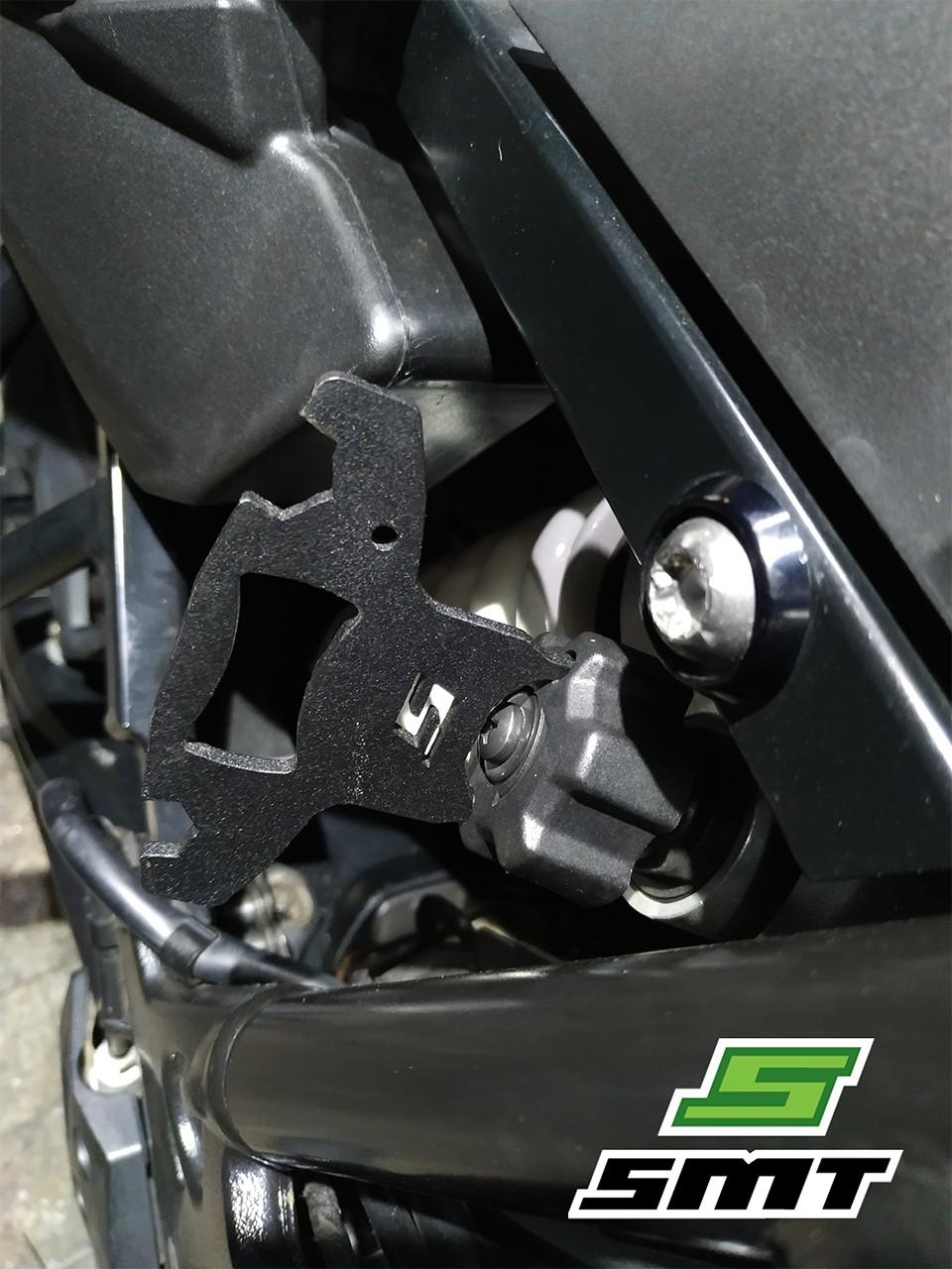 Foto2 - Chave de regulagem suspensão traseira F800GS